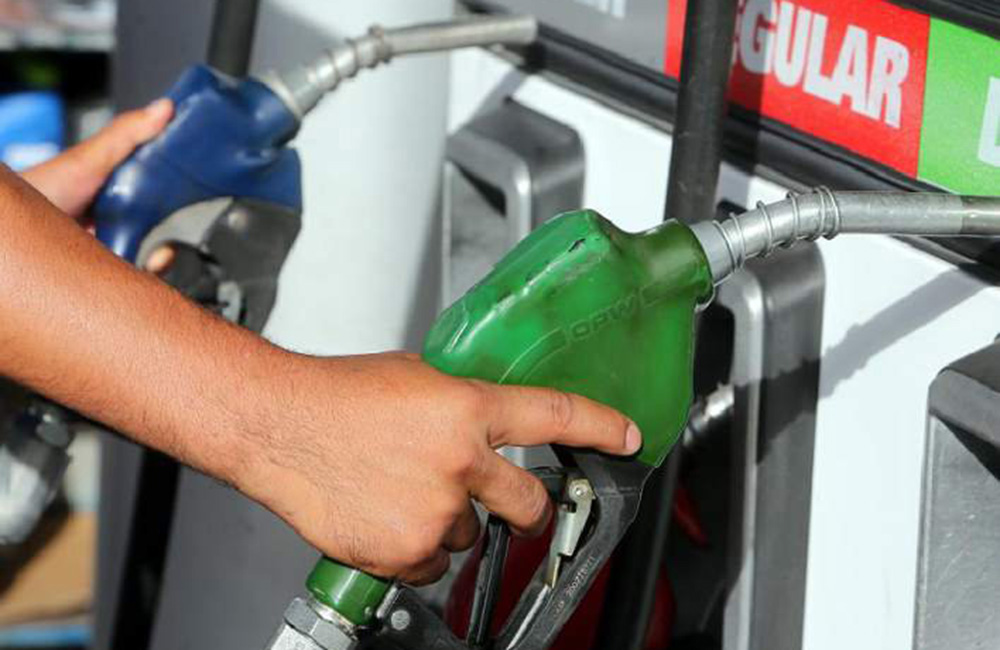 Bajan precios gasolina y GLP