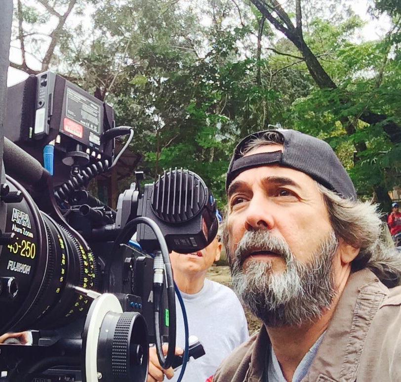 Muere en accidente de tránsito el cineasta Fernando Báez
