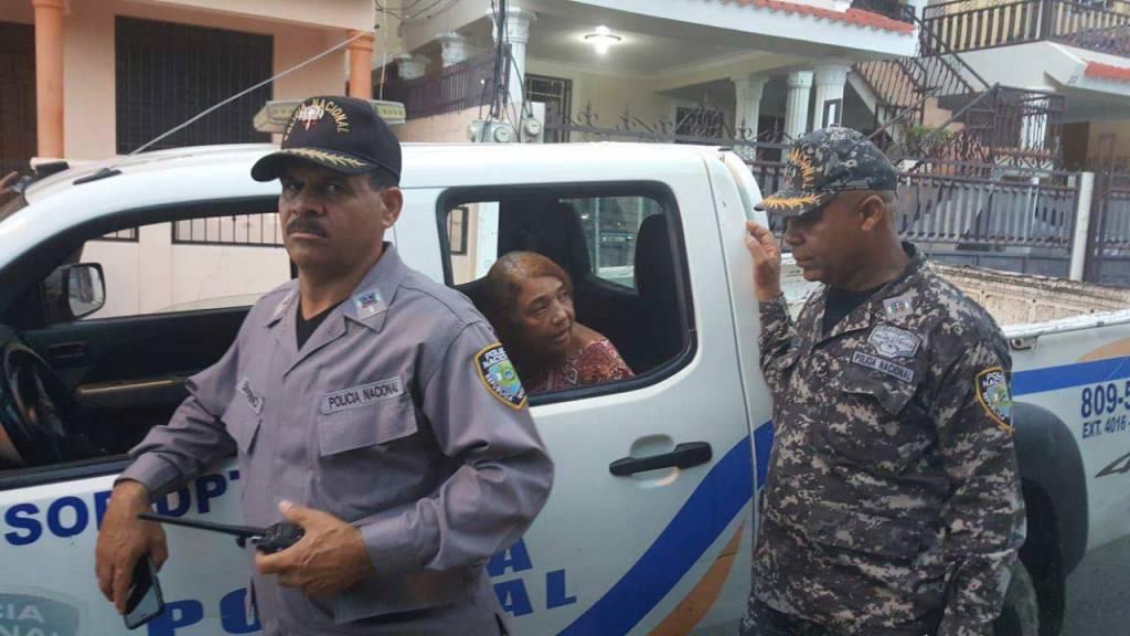 Santiago: Mujer mata a su madre con un pico