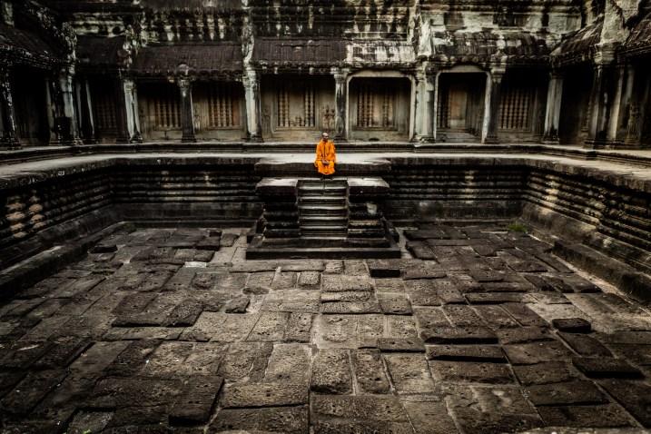 Moine à Angkor Wat