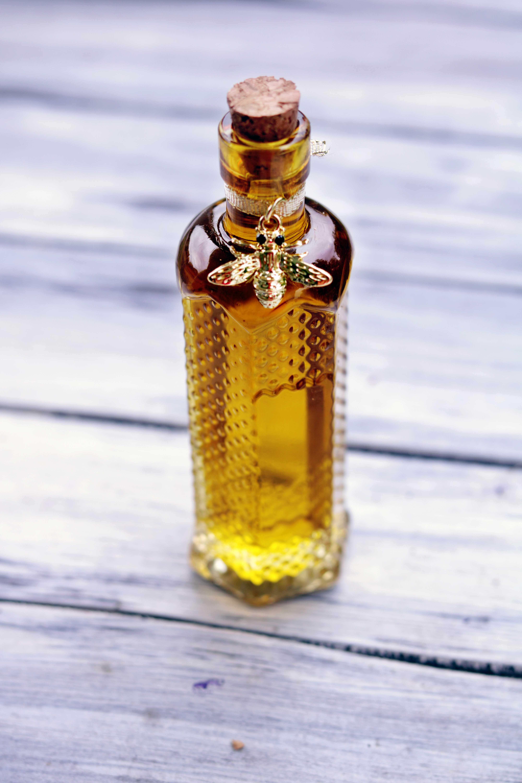 Lammas ritual oil for Lughnasadh and the harvest festivals.