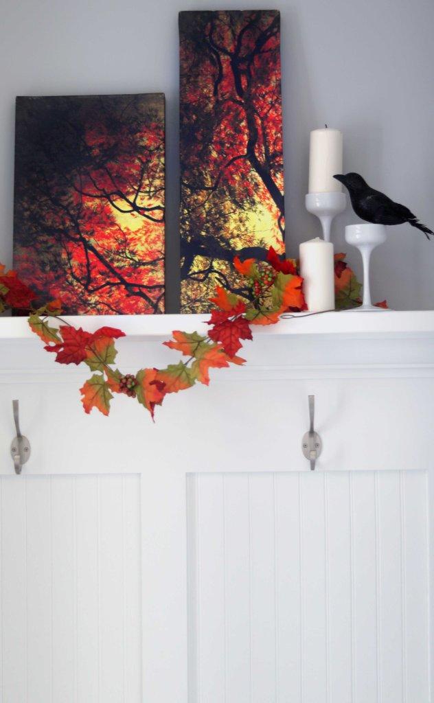 DIY autumn canvas for fall decor.