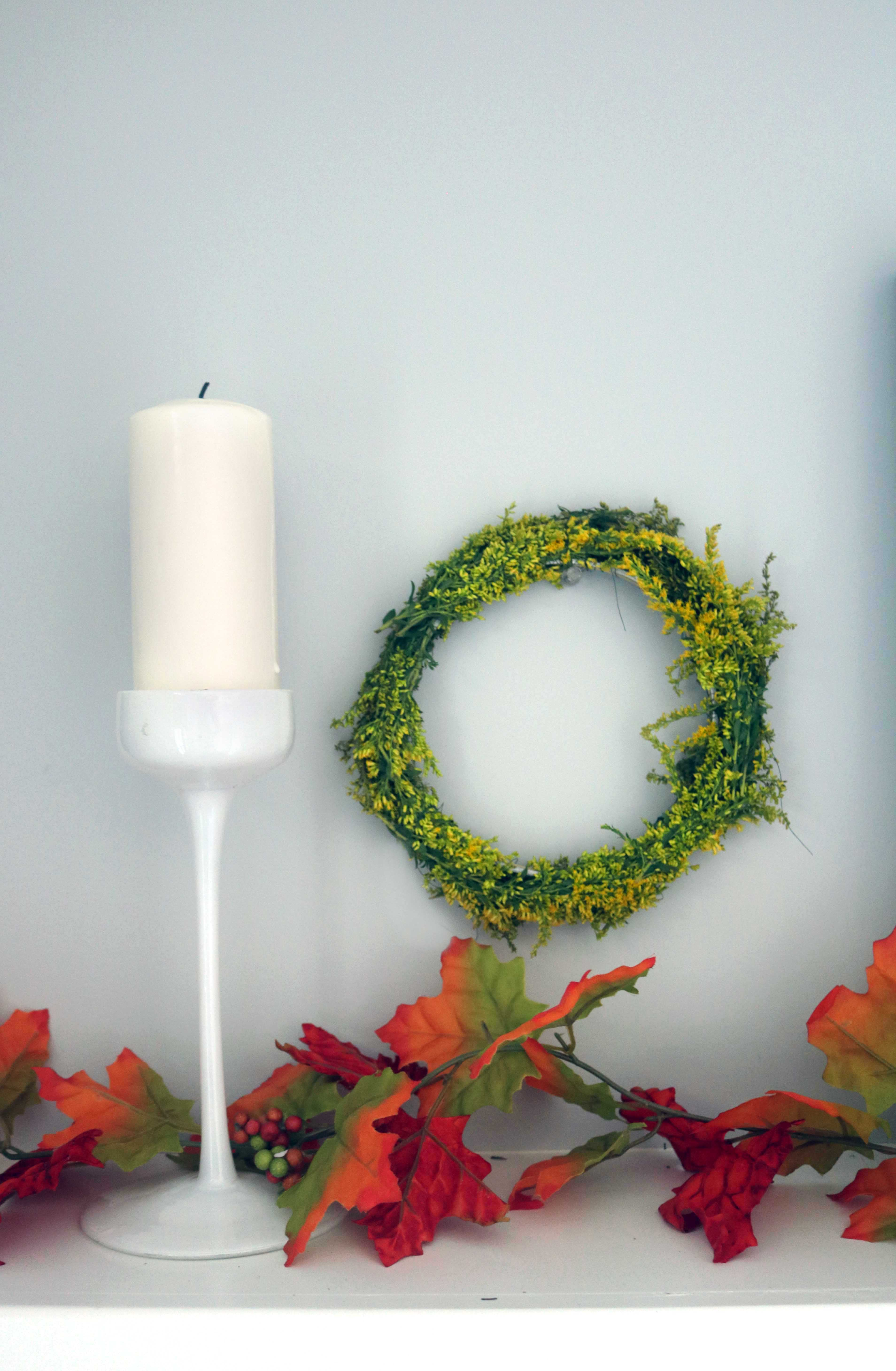 Natural autumn wreath on an embroidery hoop.