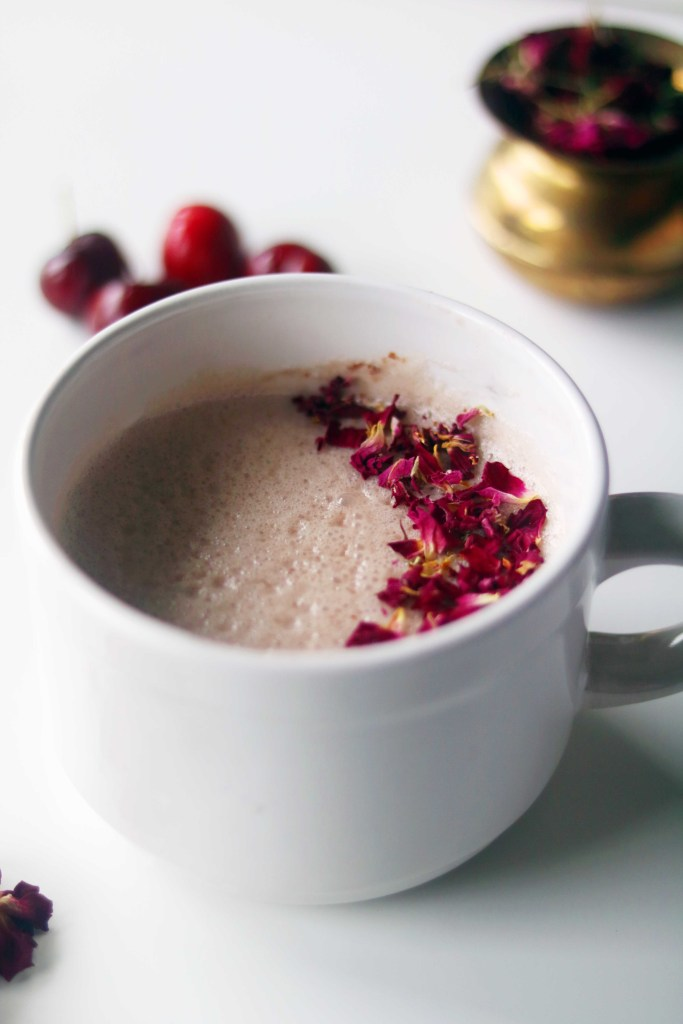 Nourishing, all-natural floral moon milk to celebrate the summer moons and sleep well.