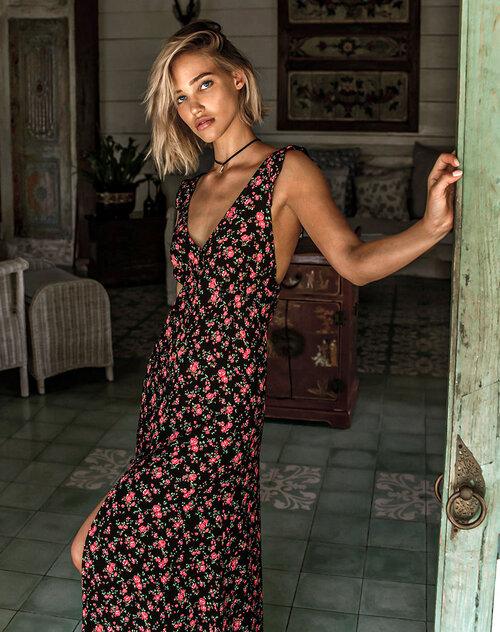 Vestido perteneciente a la colección Vintage Black