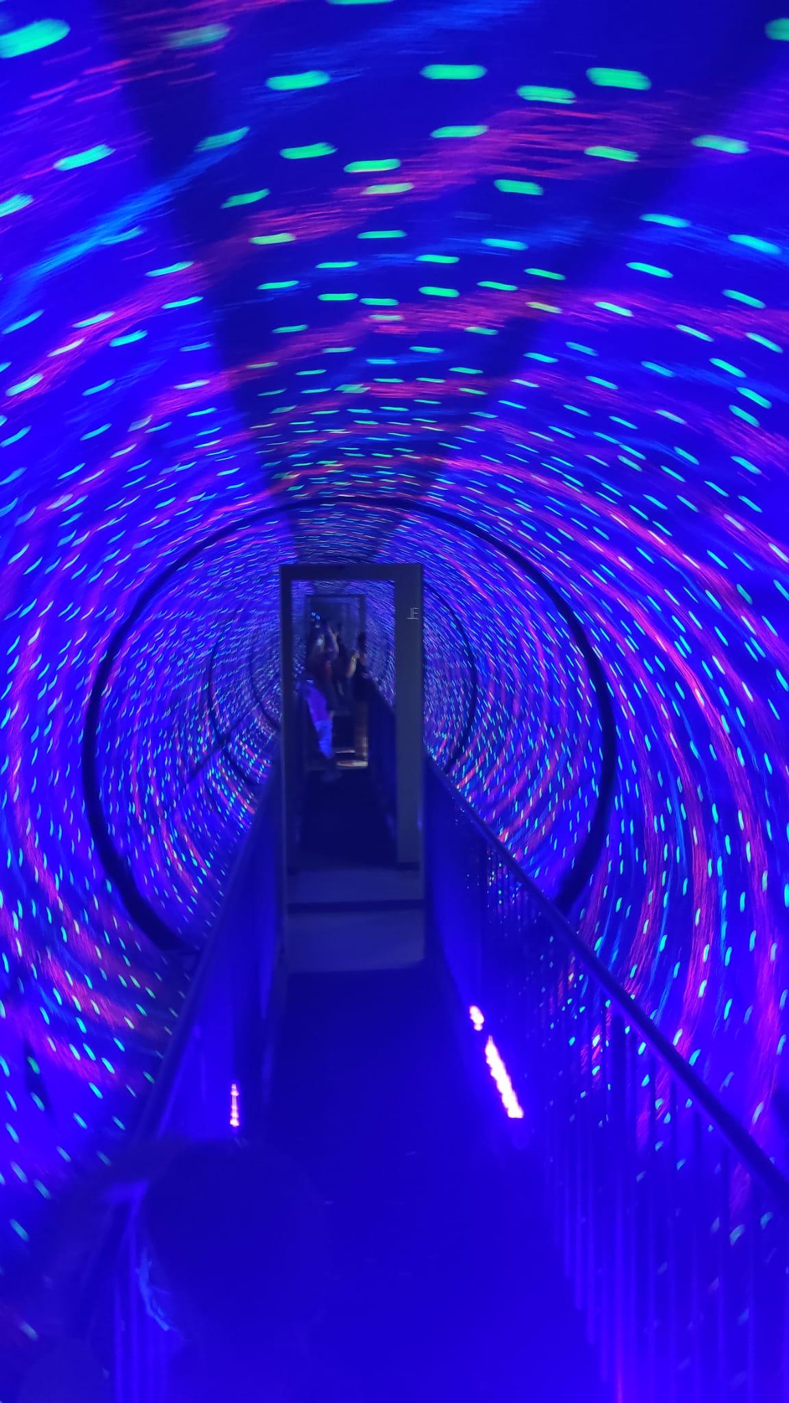 Túnel del vórtice, Museo de las ilusiones de Sevilla