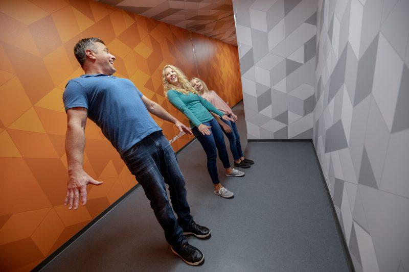 Cuarto antigravedad, Museo de las ilusiones de Sevilla