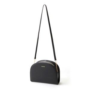 ダレノガレ明美のムック本付録のハーフムーン型ショルダーバッグ