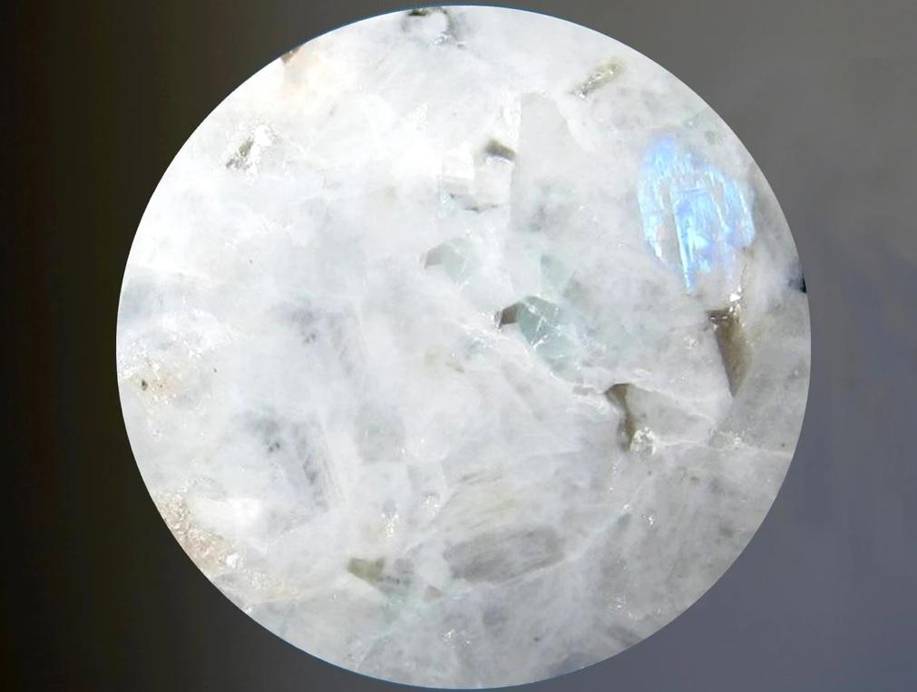Лунный камень. Магические свойства.