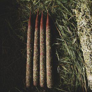 Лесная магическая свеча с травами 21 см