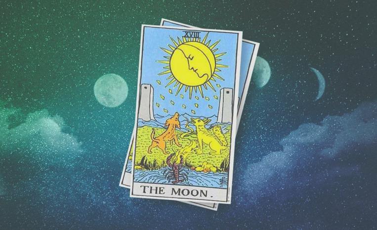 5 способов сочетать Таро и магию Луны. Полезные практики