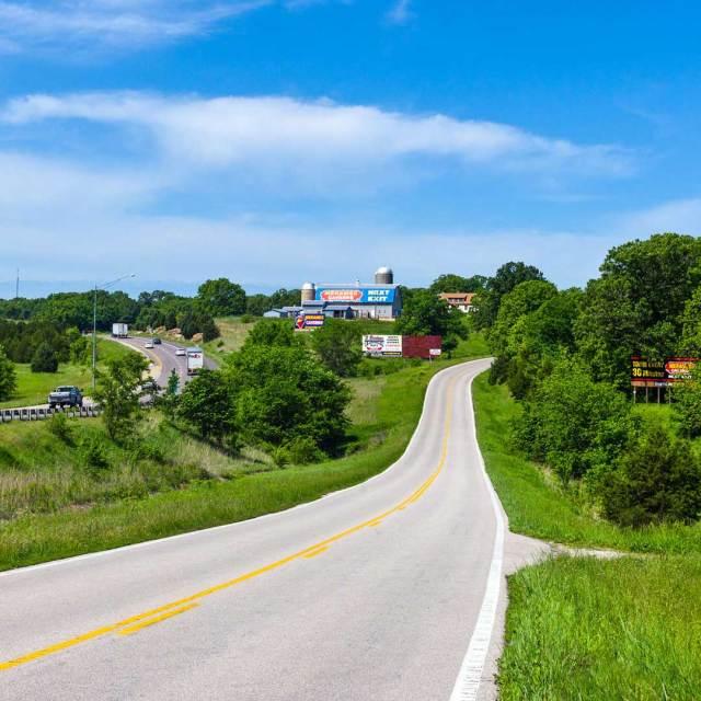 Route 66 in Stanton, Missouri. Photo © Giuseppe Masci/123rf.