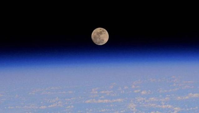 This is what the full moon looks like from the ISS. (Photo: Terry Virts/NASA