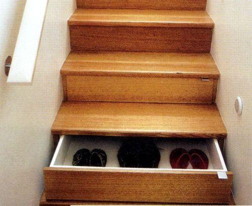 收納的空間利用,但是不知道梯面的強度會不會受到影嚮
