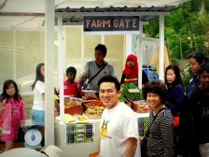 Farm Gate: Buy freshly harvested vegetables before you head home