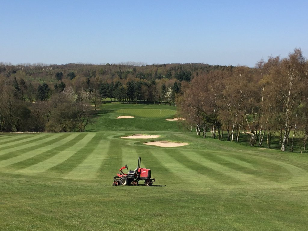 Moor Allerton Golf Club Need An Assistant Greenkeeper! 3