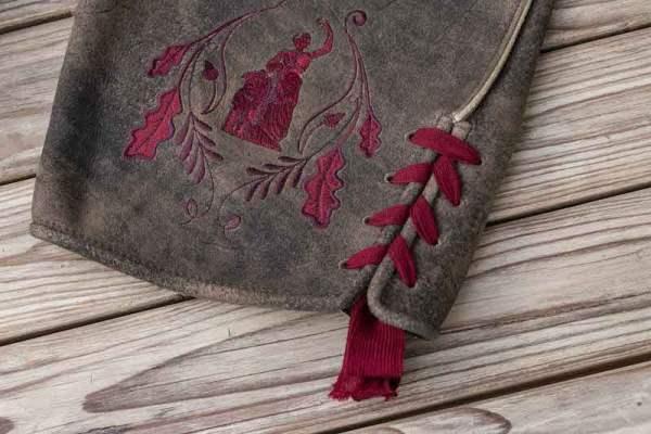 Sämisch gegerbte Wildbock Lederhose Detail1