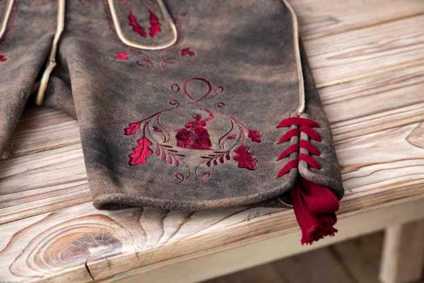 Sämisch gegerbte Wildbock Lederhose Detail9