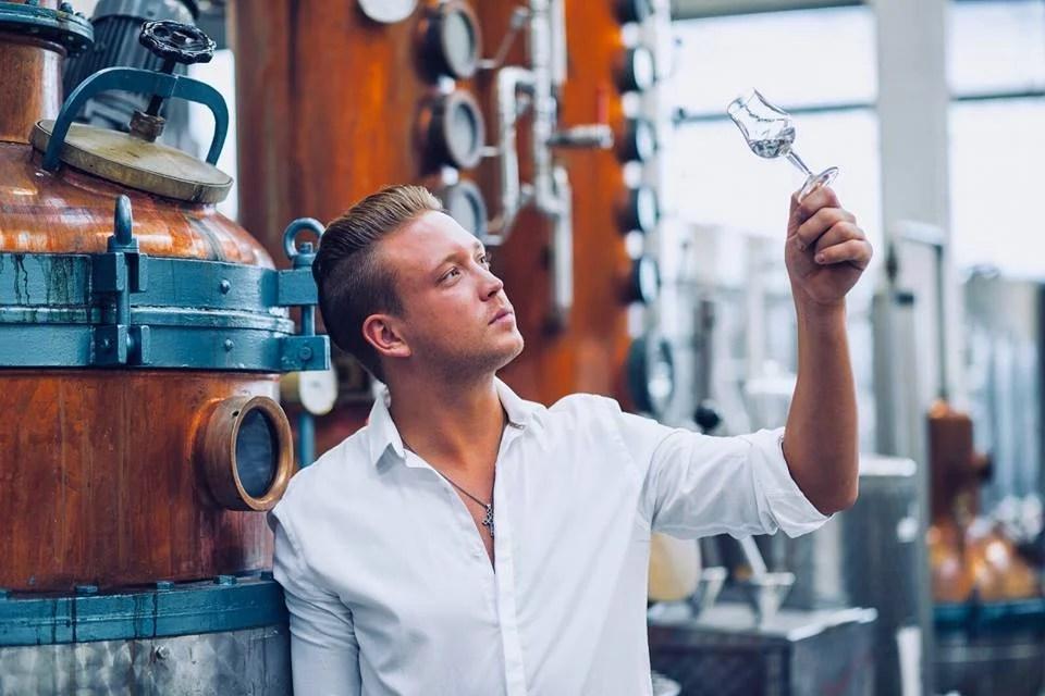 Gin, Rum und Whisky aus Kolbermoor 24/7 Gin Automat