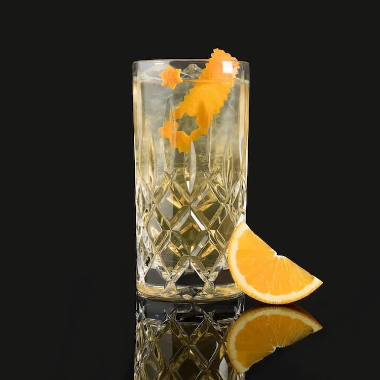 SIR CHARLES MOORGIN & TONIC - MOORDESTILLERIE Signature Drink