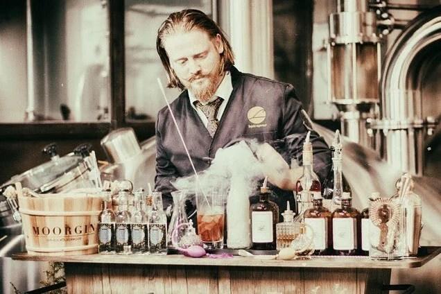 24/7 Gin Automat Peter A. Loup Wolf MOORDESTILLERIE Kolbermoor
