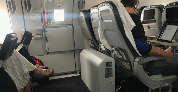 Review: American Airlines Economy Class A321(Sharklets) Chicago to Los Angeles