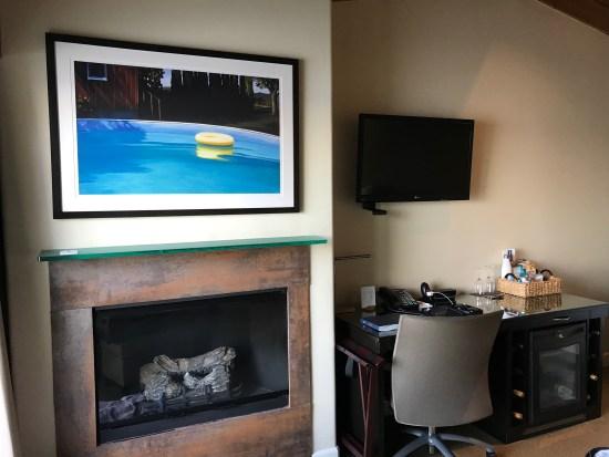 Malibu Beach Inn Fireplace