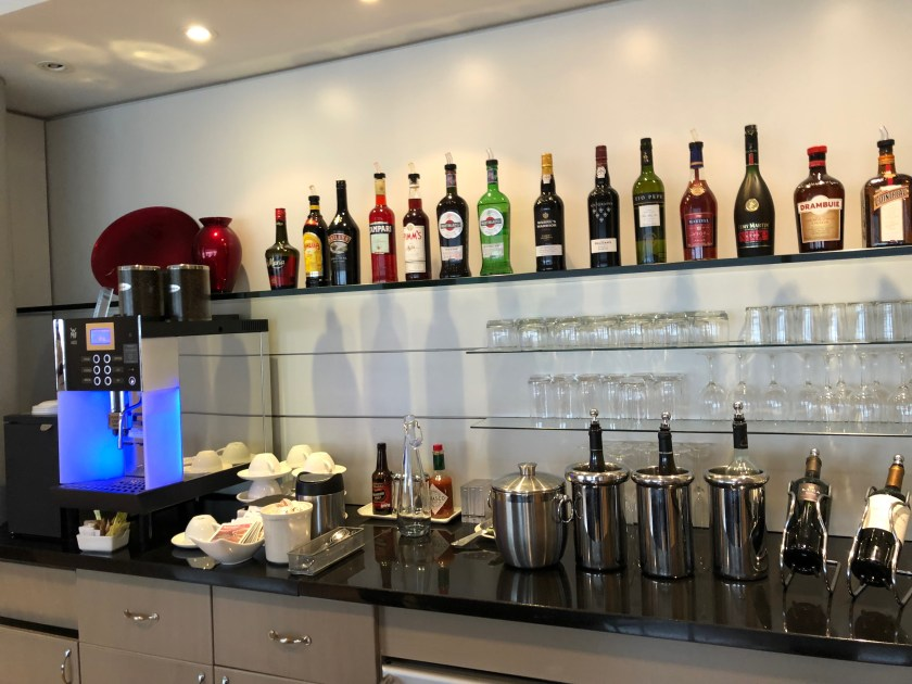 British Airways First Class Lounge Chicago O'Hare Bar