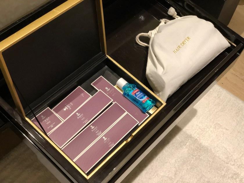 The Ritz-Carlton Hong Kong 112-15 Amenity Kit