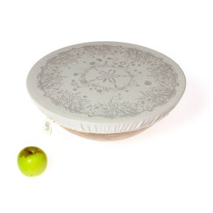 Halo Dish and Bowl Cover Extra Large Beach House | Miro van der Vloed