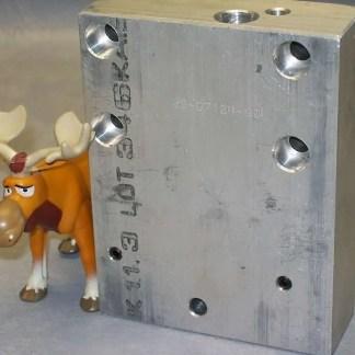00-07124-00L Melt Pot Manifold Left Side