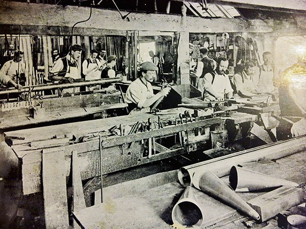 An extremely rare photo of one of the Norman&Beard voicing shops; a date unknown, c. 1905? Some of the employees photographed may well be the makers of the Moot Hall organ pipes.