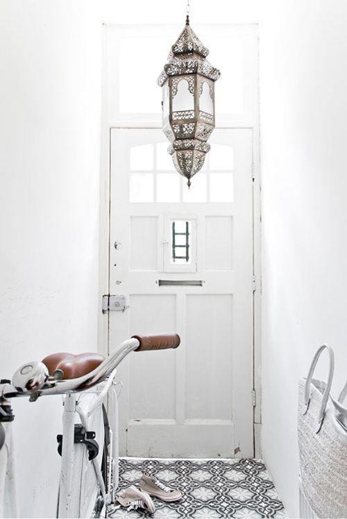 entrada casa blanco