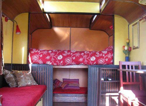 interior habitacion casa carro