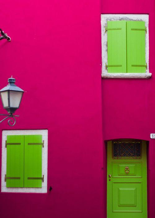 fachada rosa puerta verde pinterest
