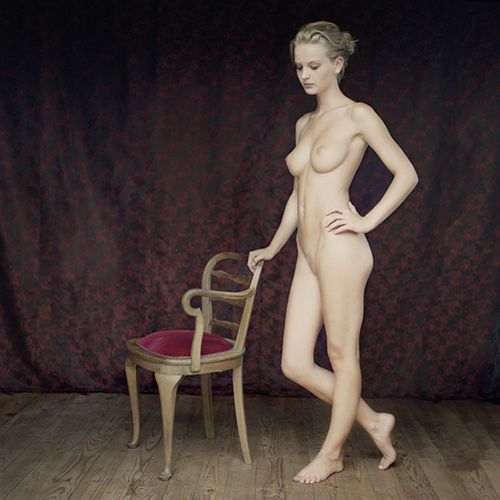 Mona Kuhn.