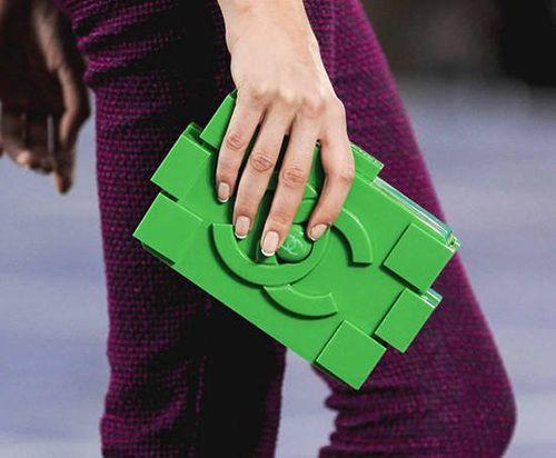 objetos de lujo bolso chanel lego