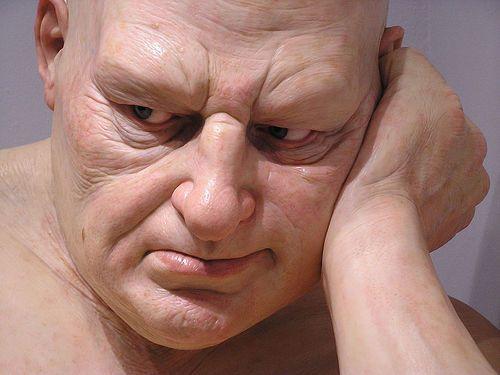 Hiperrealismo de Ron Mueck en la Fondation Cartier