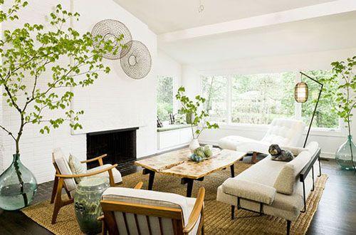 sofas blancos con madera salon mid century