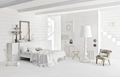 Dormitorio en blanco de Bruno Tarsia