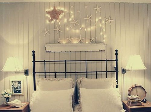 Christmas-Lights-in-Bedroom-02-1-Kindesign