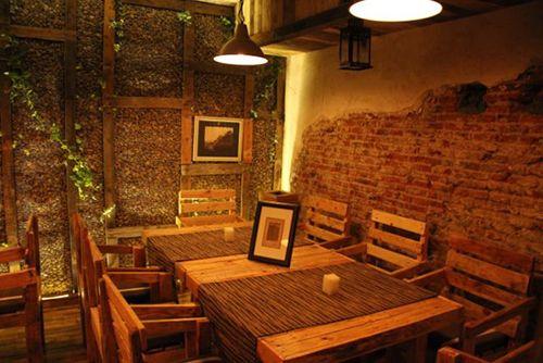 interior restaurante yugo the bunker comida japonesa madrid