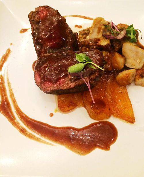 lomo venado plato carne el apartamento restaurante barrio de las letras madrdi