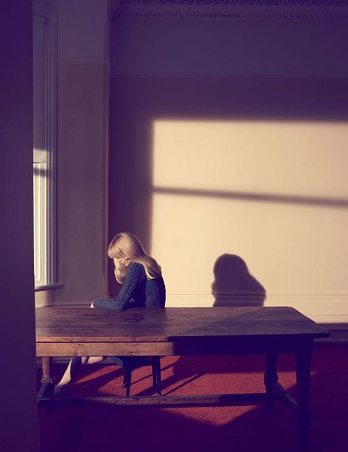 mujer sola camilla akrans exposicion fotografia vogue like a painting museo thyssen madrid