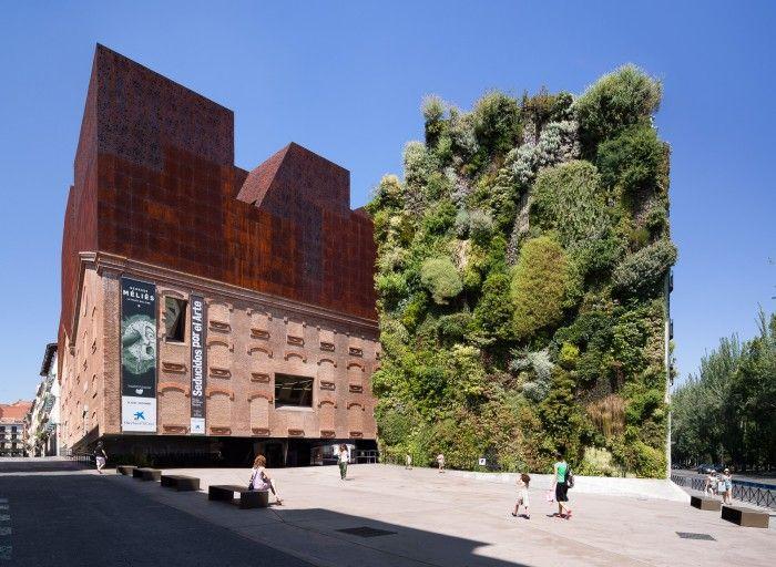 caixaforum madrid herzog y de meuron obra social la caixa jardin vertical espectacular azero corten
