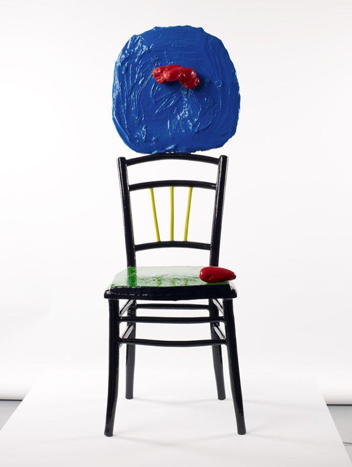 escultura silla pintada miro pierda roja negra miro y el objeto caixa forum exposicion joan miro escultura antipintura