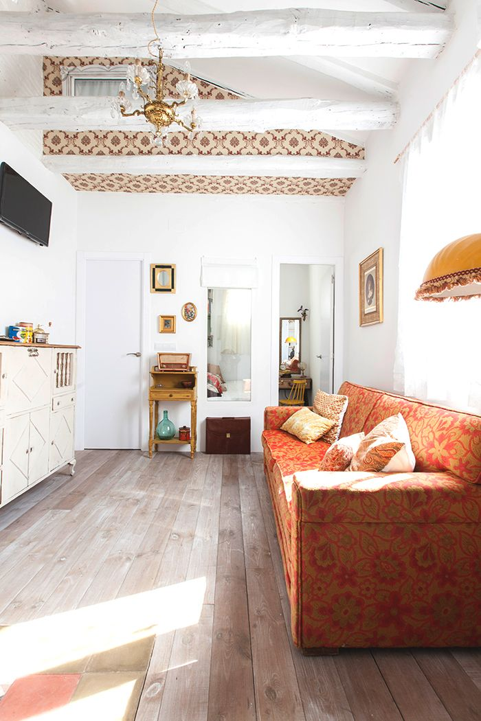 piso decoracion malasaña sofa