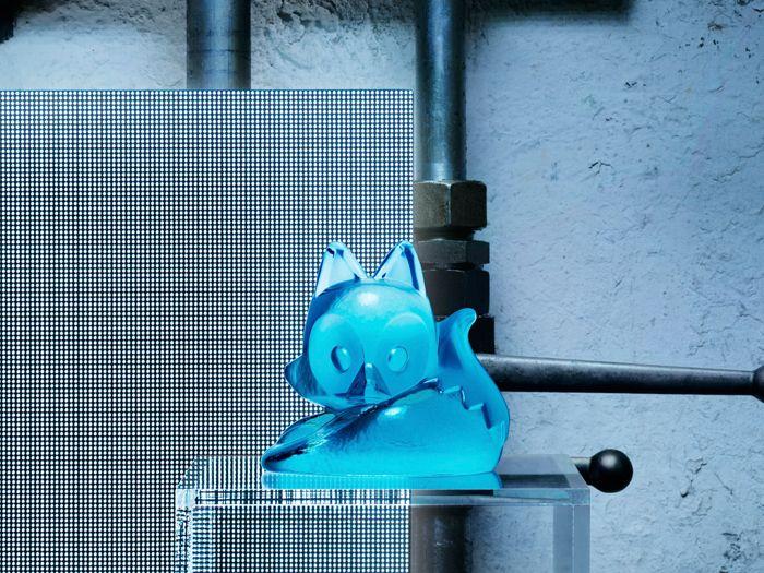 gato vidrio azul