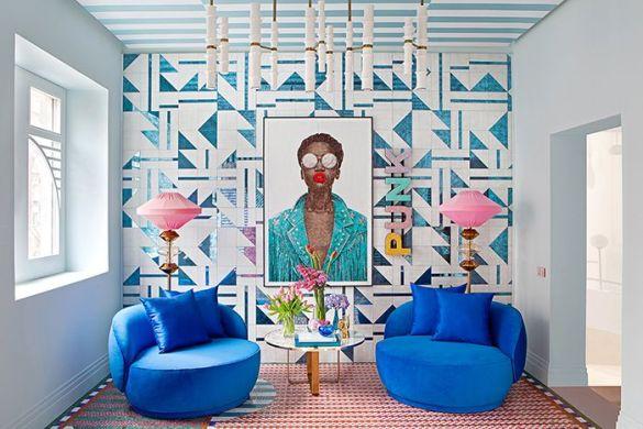 Bar butacas azules terciopelo miriam alia casa decor 2019