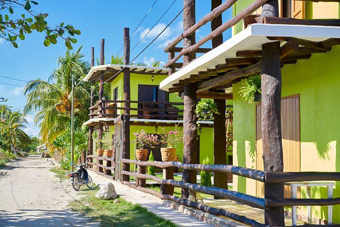 casas de playa colores madera mexico caribe